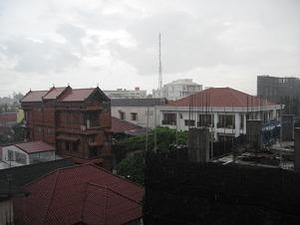 窓から見えるビエンチャン市内