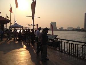 夕陽のチャオプラヤ川