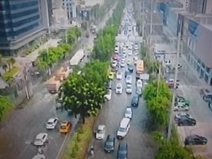 都内各地で大渋滞