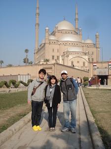 2281「寺院前」