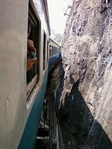 2466長い列車2がけ