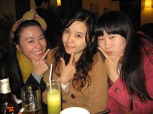 2285「タイ人と韓国人3人」