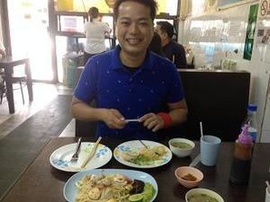 ランチはカオマンガイと福建麺
