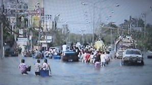 2274「今も尚洪水が」