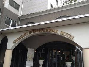 立派なホテルですばい