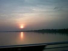 2554大河メコンの夕陽