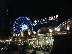 夜のアジアティック