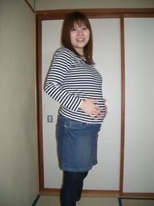 2029「郁恵妊娠8ヶ月」