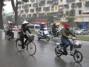 2281「自転車とバイク」