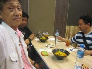 チェンマイ空港で夕飯