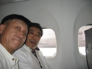 機内は案外快適