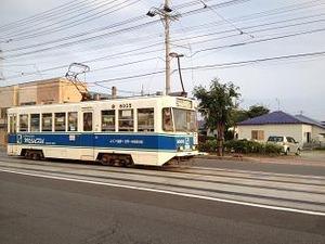 函館の街に電車が走る