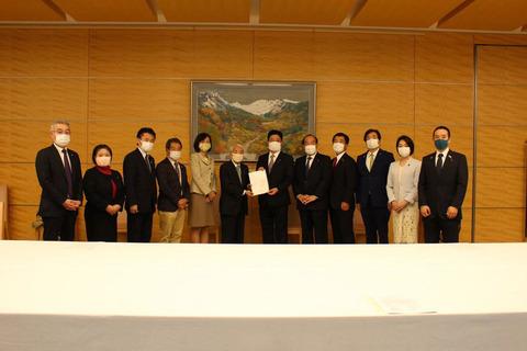 日本の議員、犬猫肉食用禁止国際条約を推進