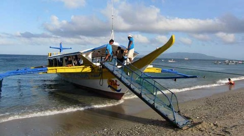 Banka-departing-Puerto-Galera-White-Beach