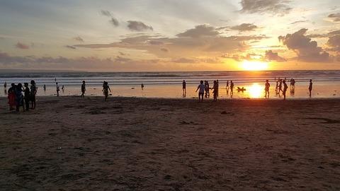 sunset-at-kuta-beach-bali-2947604_640