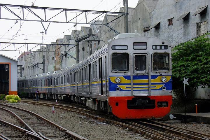 亜洲鉄道日記 : ジャボタベック