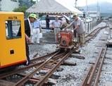 側線に工事車両を入れる。