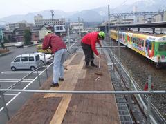 木製屋根掃除