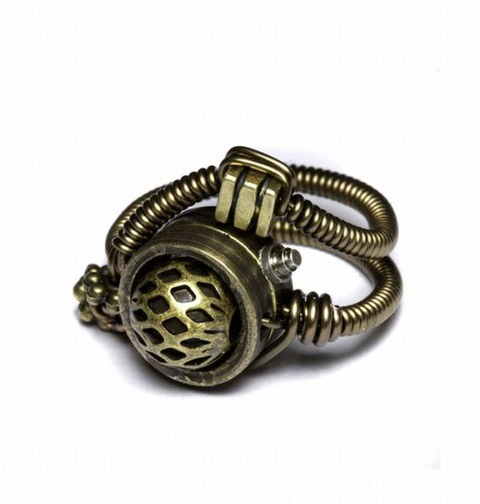 awesome_steampunk_jewelry_640_07