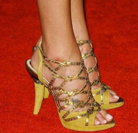 strange_celebrity_shoes_640_03