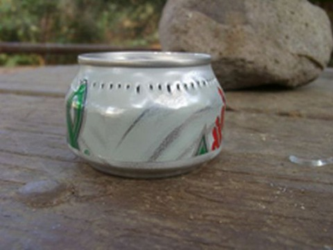 a_camping_stove_from_a_can_640_12