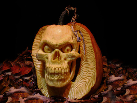 the_most_outrageous_pumpkin_carvings_ever_640_09
