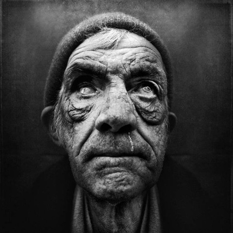 amazing_black_and_white_photos_of_the_homeless_640_13