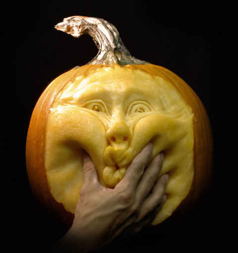 the_most_outrageous_pumpkin_carvings_ever_640_high_04