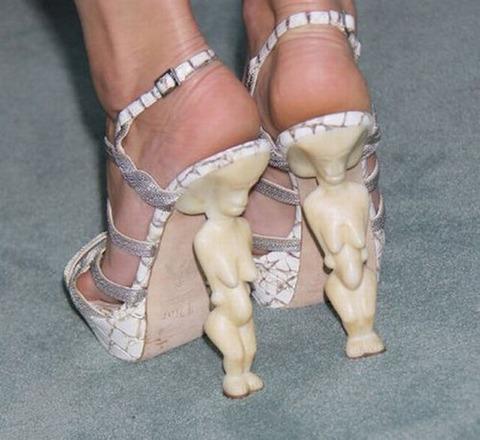 strange_celebrity_shoes_640_02