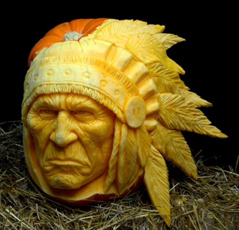 the_most_outrageous_pumpkin_carvings_ever_640_01