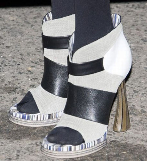 strange_celebrity_shoes_640_10