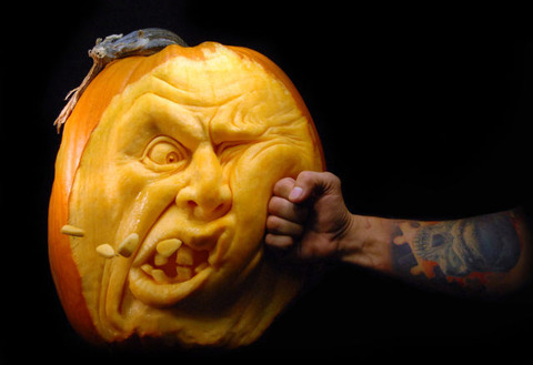 the_most_outrageous_pumpkin_carvings_ever_640_14