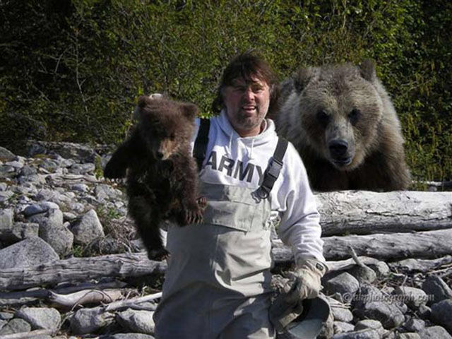 【クマ】罠にかかった子グマを見に行った男性、後ろから親グマに襲われ大怪我。親グマと子グマは逃走中。岩手県紫波町 ->画像>14枚
