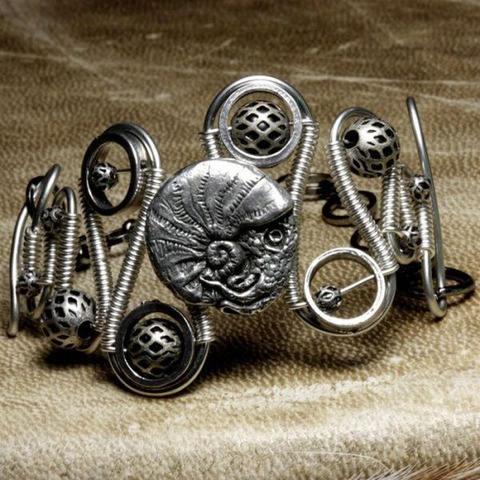 awesome_steampunk_jewelry_640_20