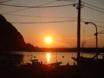 由良漁港に沈む夕陽
