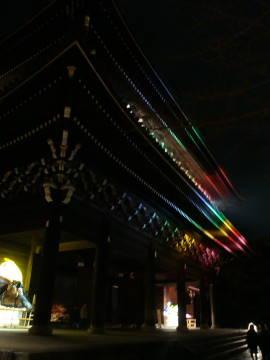 知恩院三門裏のライトアップ