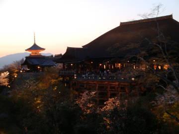 清水寺の舞台と塔