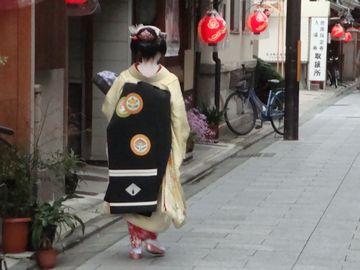 宮川町の舞妓さん後姿