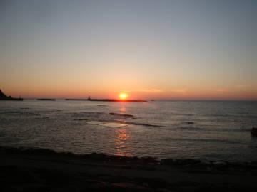 由良海岸に沈む夕陽
