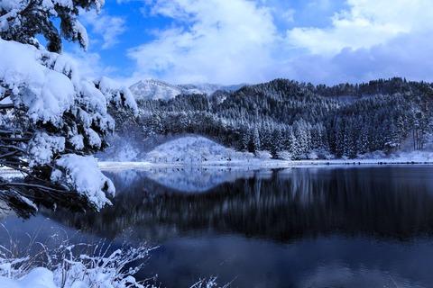雪化粧 湖