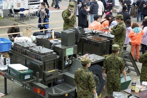 【衝撃画像】熊本地震の被災地でも嫌われる自衛隊ww人殺しの助けなんか要らないと良識派市民が救援を拒否