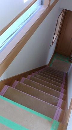 階段明るく