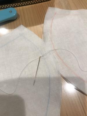 糸が通しやすい針