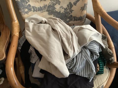 脱ぎ散らかした服のような生地