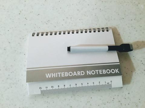 ダイソーのホワイトボードノート