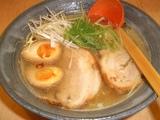 麺や向日葵 塩ラーメン(煮玉子入り)