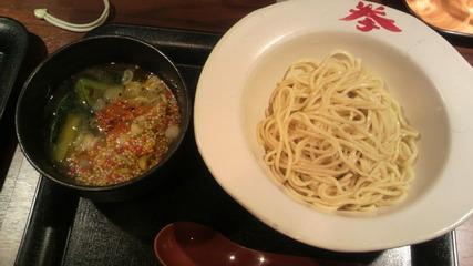 イロトリドリのつけ麺