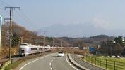 八ヶ岳(20140419)ローソン前「あずさ4号」
