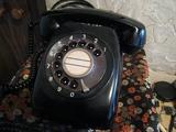 昭和の香りプンプンの黒電話