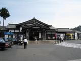高尾駅前広場